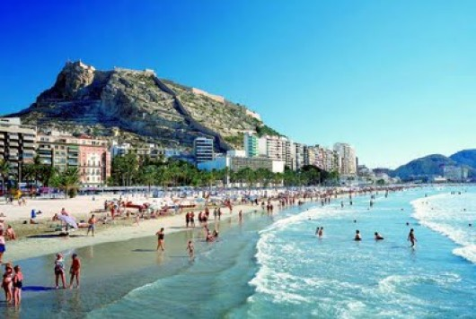 Alicante promotes energy conservation on beaches