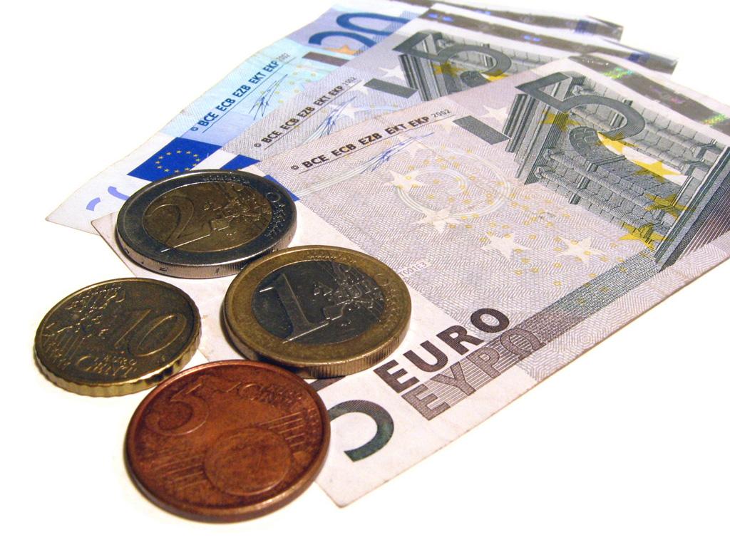 Weakening Euro Attracts Spanish Property Investors