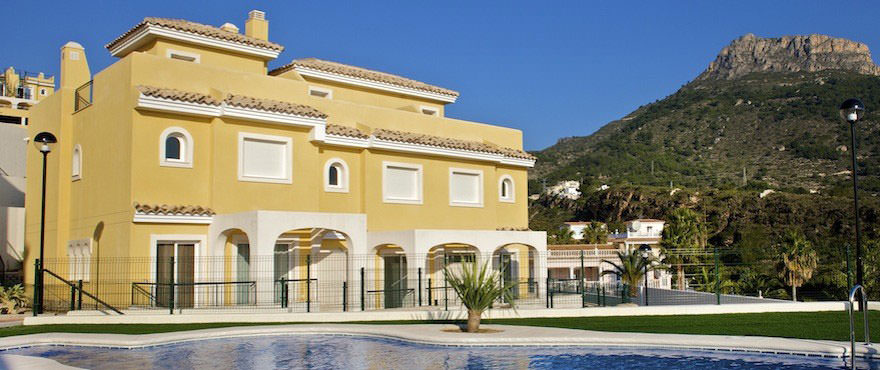 New houses for sale in Calpe, Taylor Wimpey's private residential Montesol