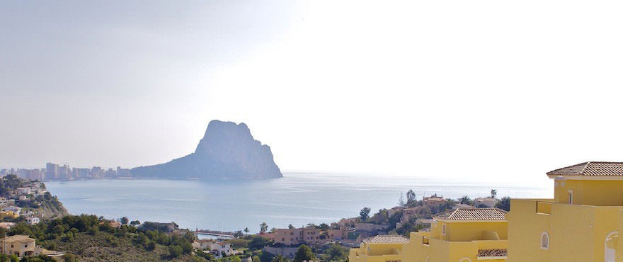 Peñón de Ifach, Townhouses for sale, townhouses in Calpe, Costa Blanca, 3 bedrooms, private garden, communal swimming pool and gardens