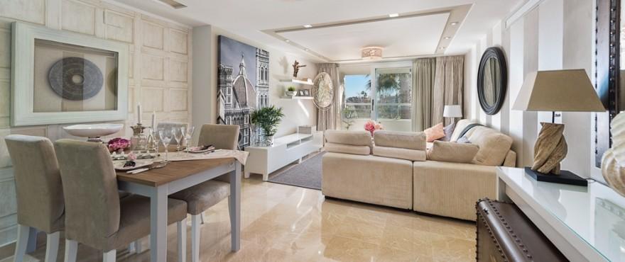 Luminous living room in the apartments Los Arqueros Beach