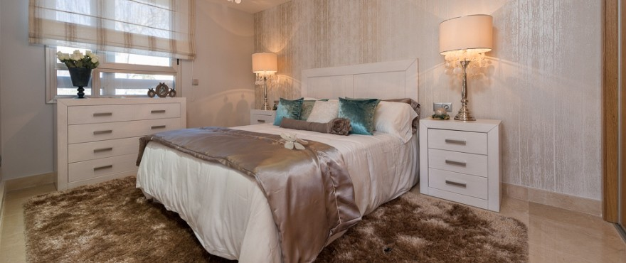Spacious bedroom in the apartments of Taylor Wimpey Spain