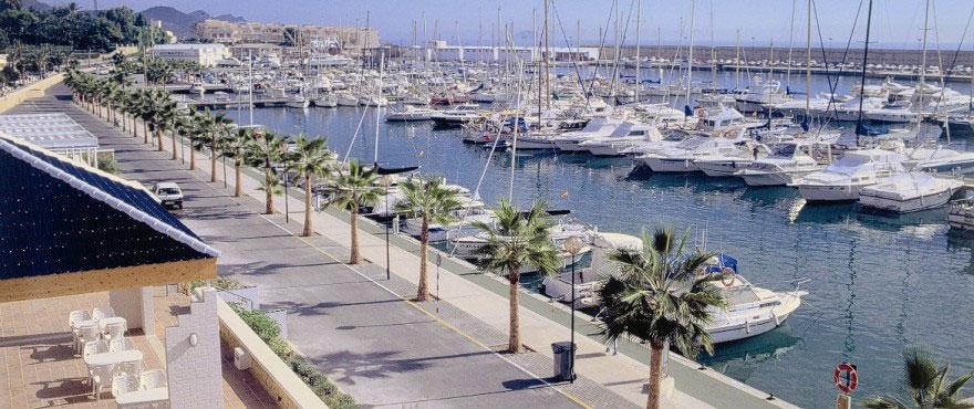 Villajoyosa puerto, municipio turístico. Alicante, Costa Blanca