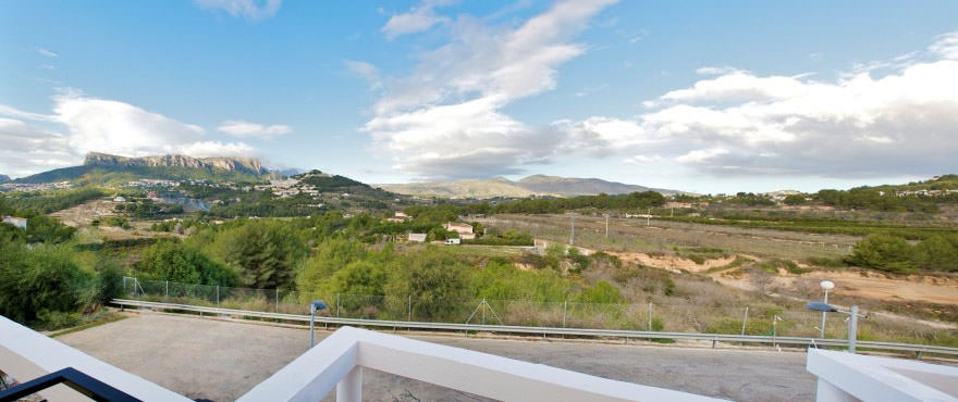 Exterior view, Townhouses for sale, townhouses in Calpe, Costa Blanca, 3 bedrooms, private garden, communal swimming pool and gardens