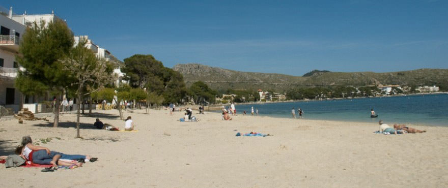 Playa en Puerto Pollensa, Mallorca. Parking en venta