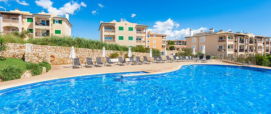 Communal area and swimming pool in Cala Magrana III, Porto Cristo