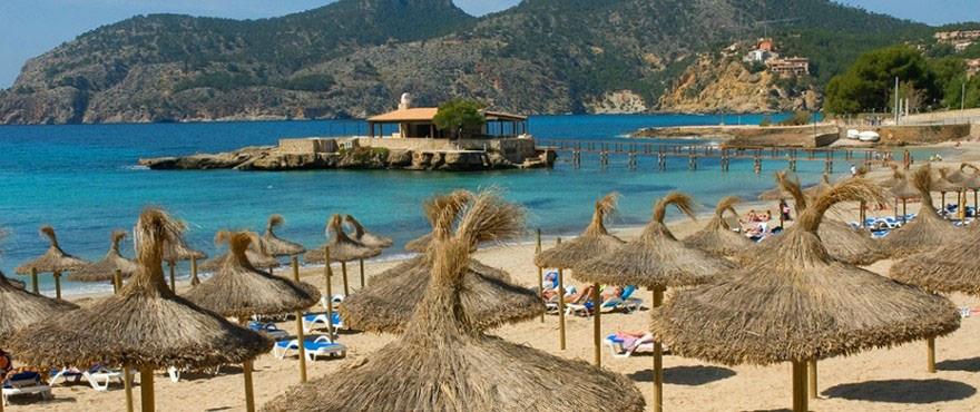 Het strand Camp de Mar, Andratx, Mallorca