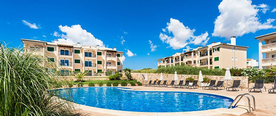 Pool in complex Cala Magrana III, Mallorca