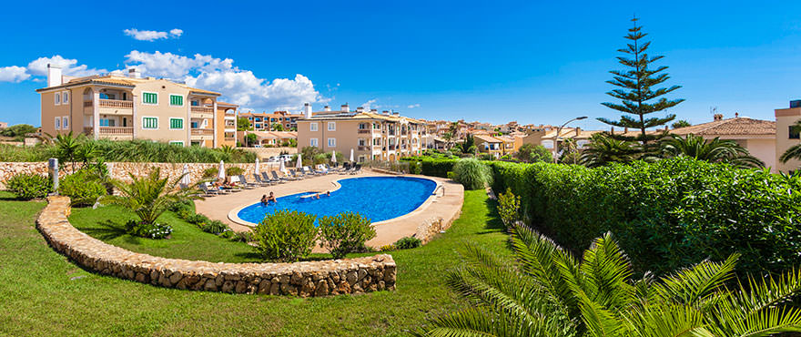 Communal swimming pool and area at apartments for sale in Mallorca