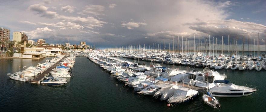 La Recoleta III Apartments, Punta Prima: The nautic club