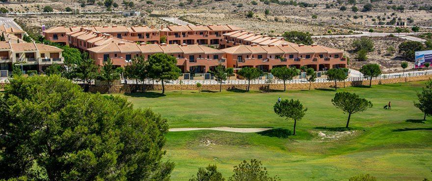 Dichtbij golfbaan, Vakantiehuizen te koop, Vakantiehuizen in Elche, Alicante, Golf, 3 slaapkamers, tuin en privéparking, zwembad