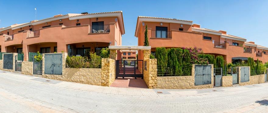 Vakantiehuizen te koop, Vakantiehuizen in Elche, Alicante, Golf, 3 slaapkamers, tuin en privéparking, zwembad