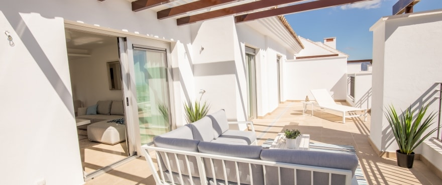 La Floresta Sur apartments for sale: Spacious terrace, communal garden and swimming pool