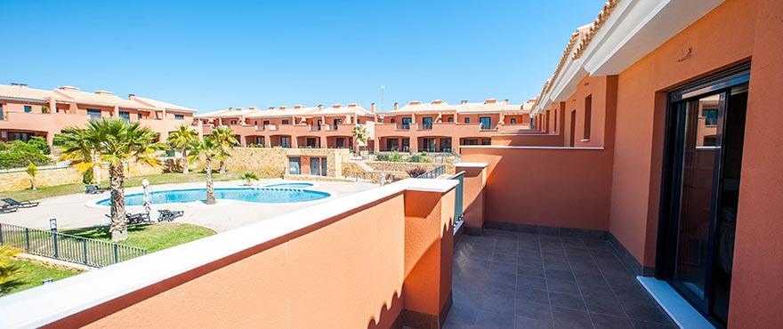 Terras, Vakantiehuizen te koop, Vakantiehuizen in Elche, Alicante, Golf, 3 slaapkamers, tuin en privéparking, zwembad