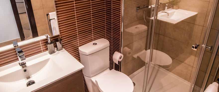 Komplett badrum med ny designinredning