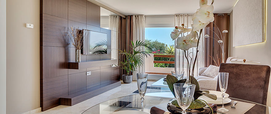 La Recoleta III Apartments, Punta Prima: Spacious living room with direct access to the terrace