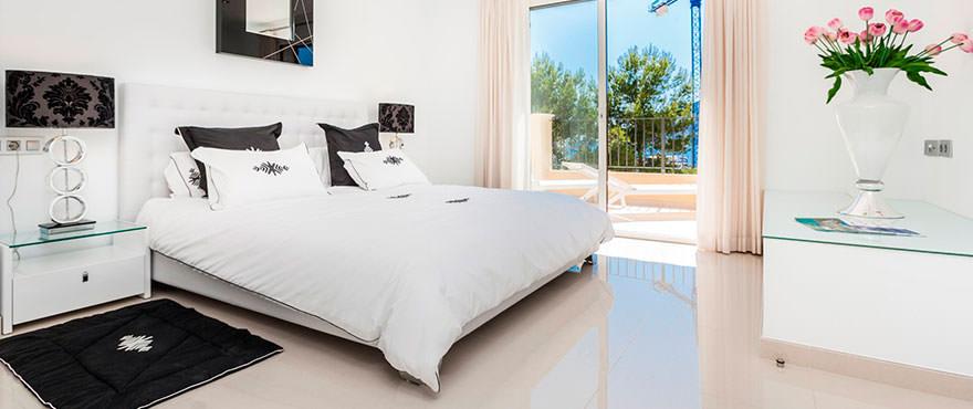 Hoofdslaapkamer met prachtig uitzicht op Puerto Andratx, Mallorca