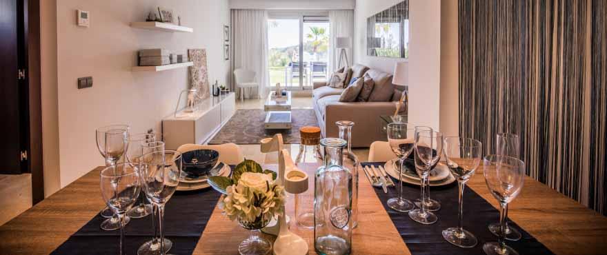 La Floresta Sur Apartments im Verkauf: Geräumiges Wohnzimmer mit schönem Ausblick