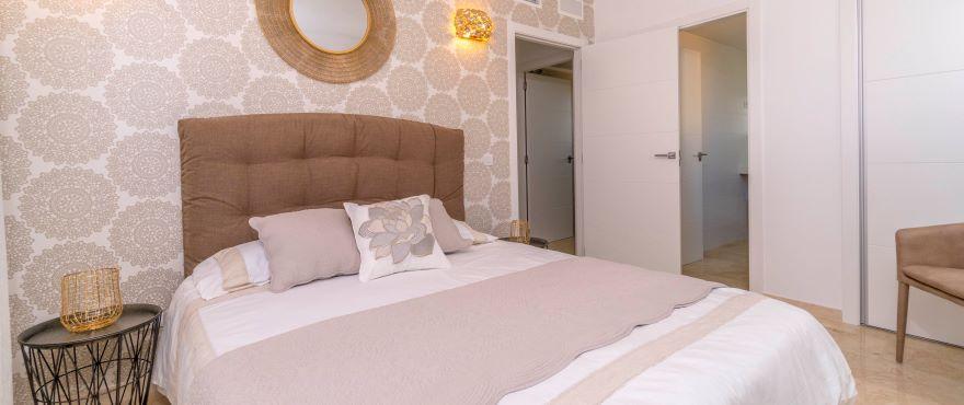 La Recoleta III Apartments, Punta Prima: Spacious double bedroom