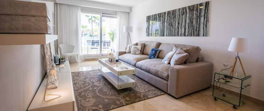 La Floresta Sur apartments for sale: Spacious living room with views