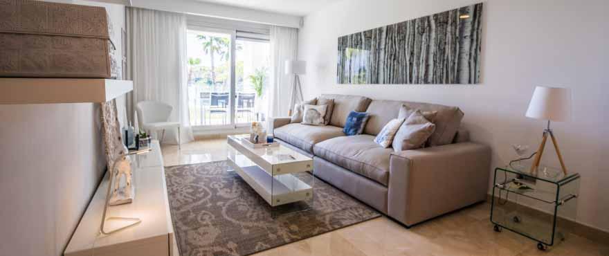 Vardagsrum, Lägenheter till salu, lägenheter i Costa del Sol, Marbella, Elviria, 2 och 3 sovrum, gemensam trädgård och pool