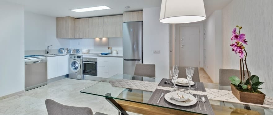 La Recoleta III Apartments, Punta Prima: Modern kitchen in apartments