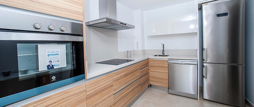 Eetkamer, Vakantiehuizen te koop, Vakantiehuizen in Elche, Alicante, Golf, 3 slaapkamers, tuin en privéparking, zwembad