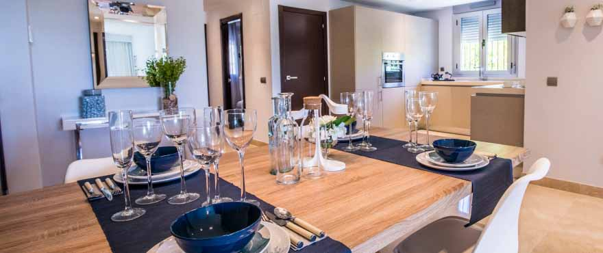 Cocina con acabados de calidad, diseño italiano y Silestone,