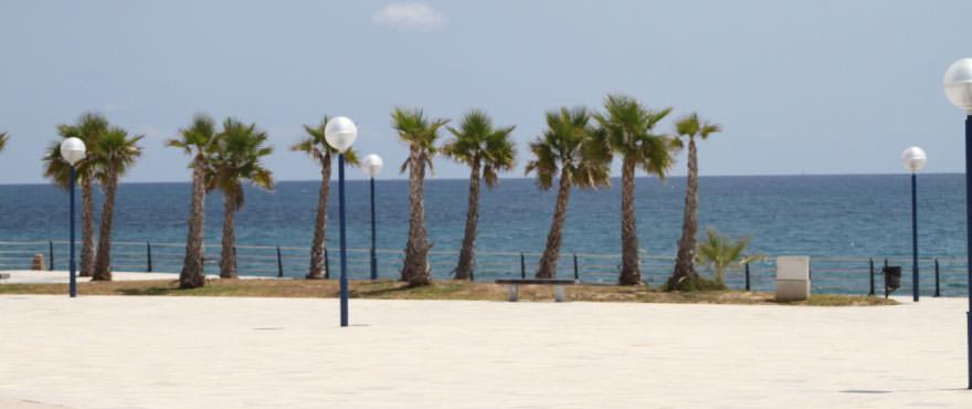 Strand, dichtbij de woningen van La Recoleta