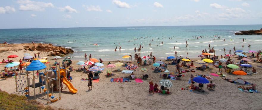 Zonnebaden op het strand vlakbij La Recoleta.