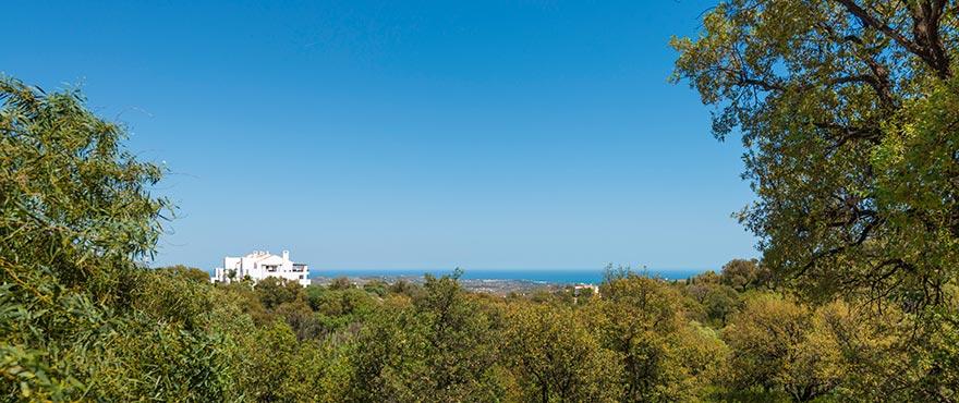 De nya lägenheterna är omgivna av vacker natur och har härlig utsikt över Medelhavet