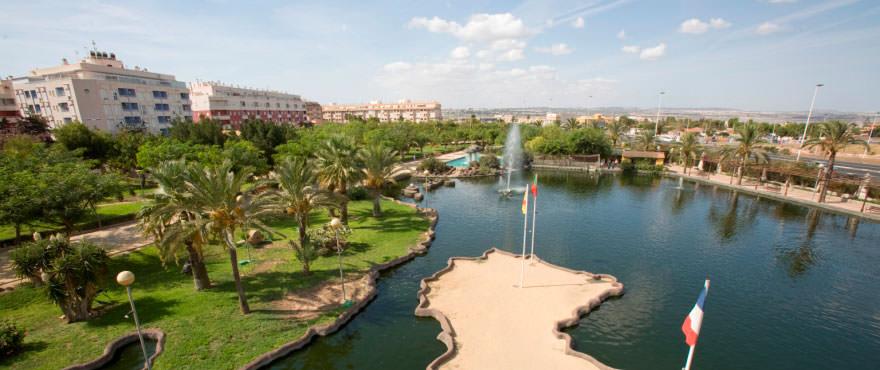 Parque de las Naciones a Torrevieja. Alicante, Costa Blanca