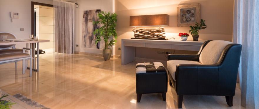 Mysigt vardagsrum i Miraval, Mijas. Lägenheter till salu, Costa del Sol