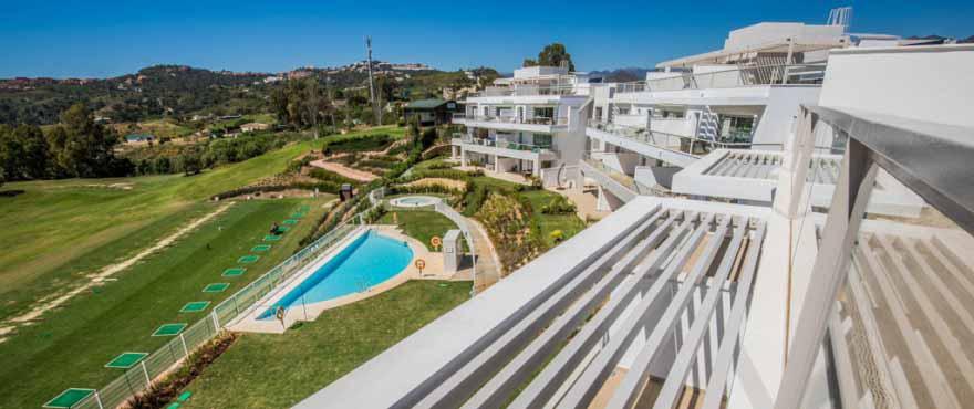 Svømmebasseng og felles hage, Miraval, Mijas