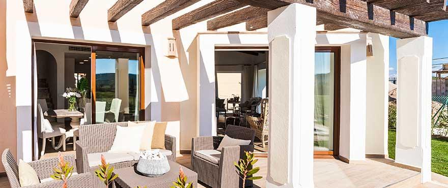 Reihenhäuser und Villen mit Gemeinschaftspool, Wohnanlage Marina Golf