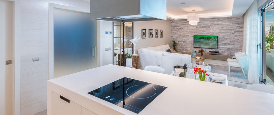 Open kitchen with high quality finishes in Jade Beach, Marbella
