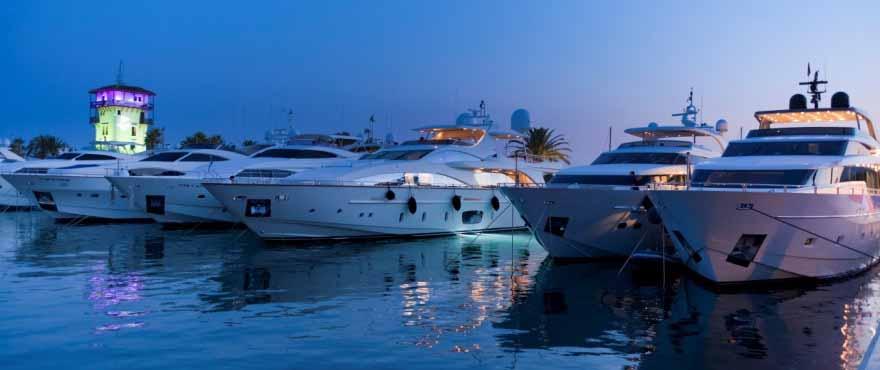 Exklusiv Santa Ponsa är hem för flera marinor, restauranger och affärer, Mallorca, Marina Golf