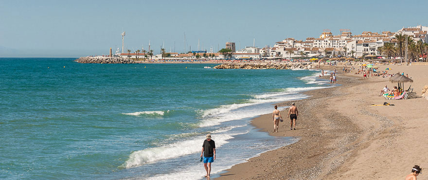 Long sandy beaches in Marbella