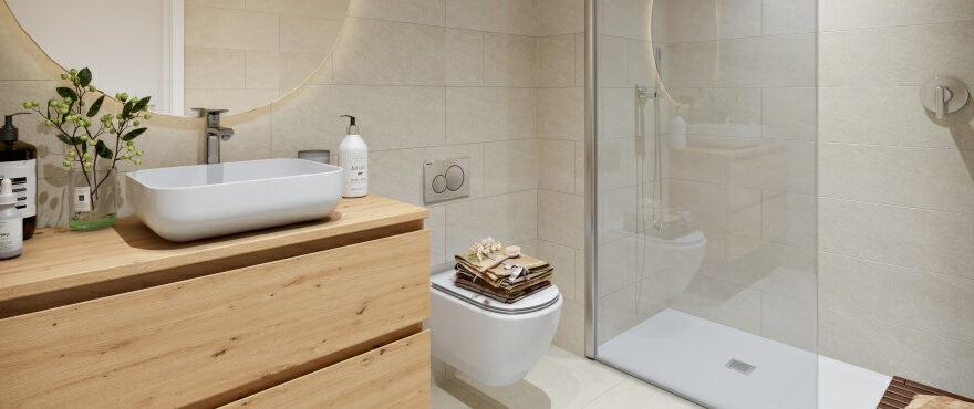 Baño completo en los nuevos apartamentos en venta en Canyamel Pins