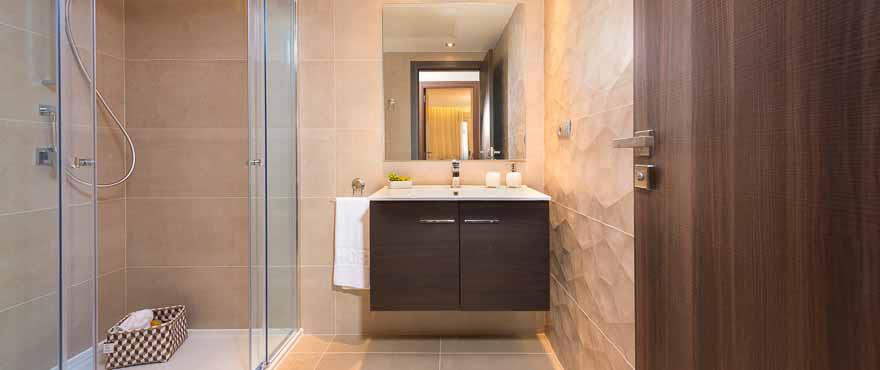 Zeitgemäße Badausstattung einer Wohnung der Anlage Acqua, Marbella, Costa del Sol