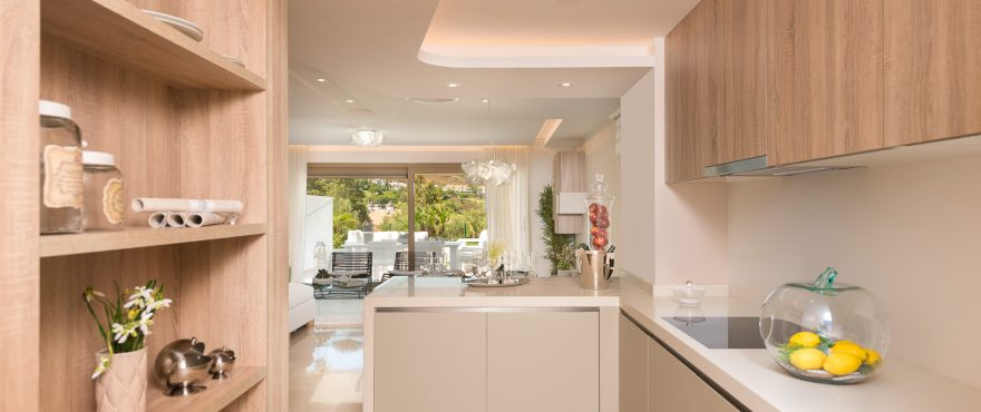 Moderne, gut ausgestattete Küche in der Wohnanlage Horizon Golf