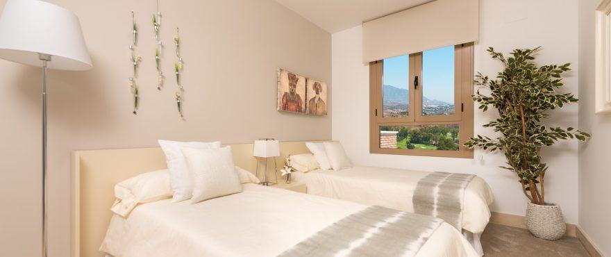 Helles Schlafzimmer mit wunderschönem Blick, Wohnanlage Horizon Golf