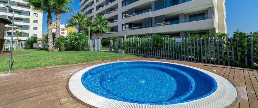 Panorama Mar: новые апартаменты с бассейном и садом