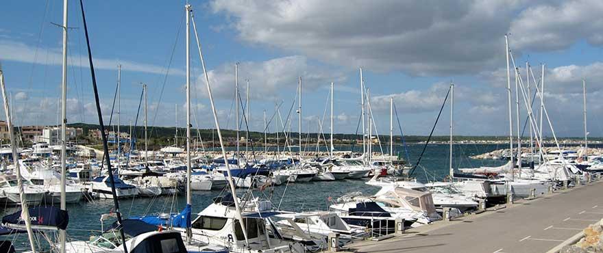 Der Hafen von Colonia de Sant Pere auf Mallorca
