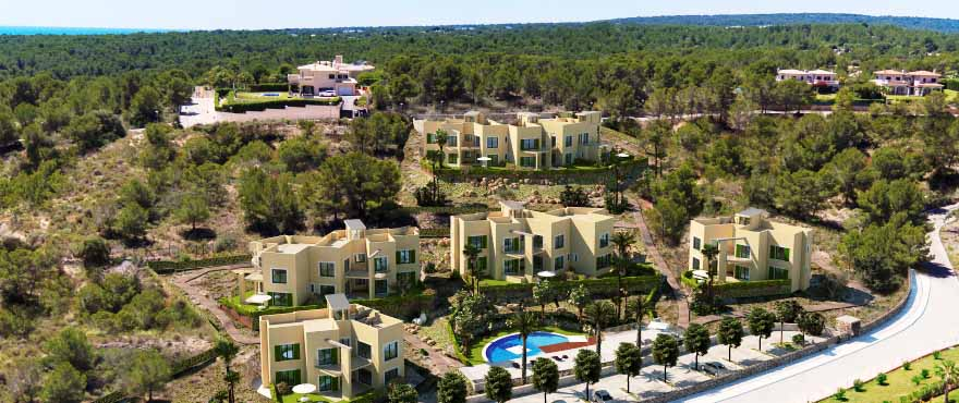 Cala Vinyes Hills communal swimming pool and gardens, Calvia