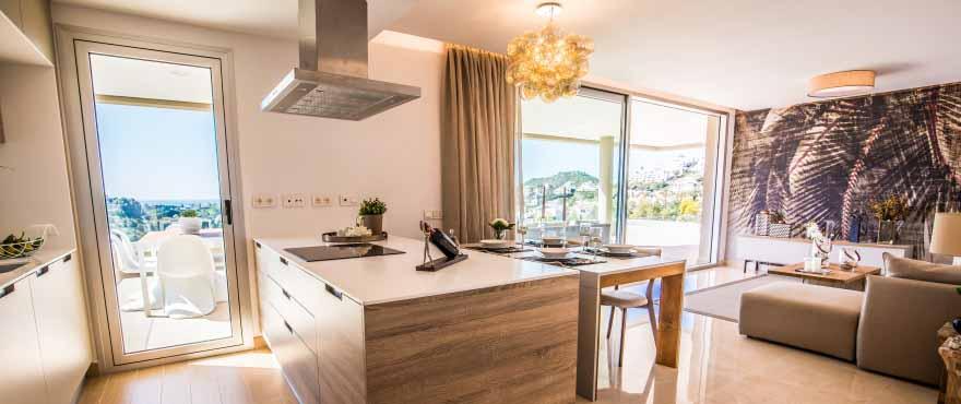 En de woning is standaard ingericht met huishoudapparaten en sanitaire voorzieningen van topkwaliteit