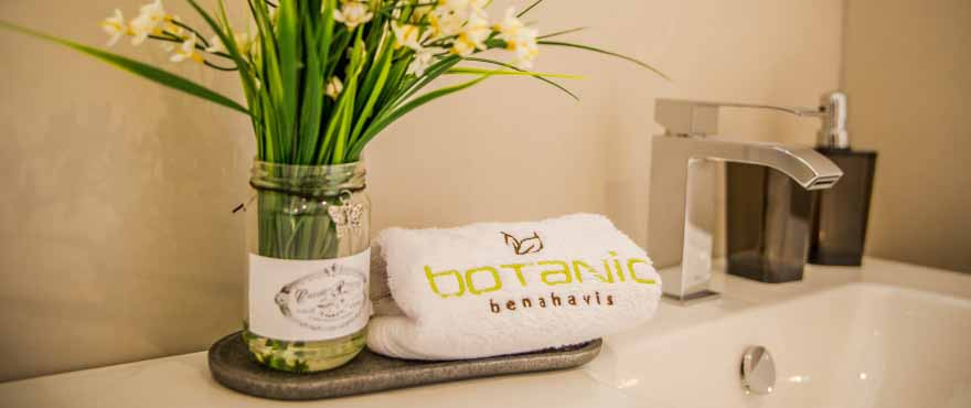 Bathroom detail in Botanic apartments for sale