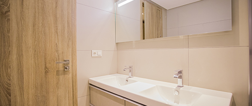Modern bathroom with high quality fittings and heated floor