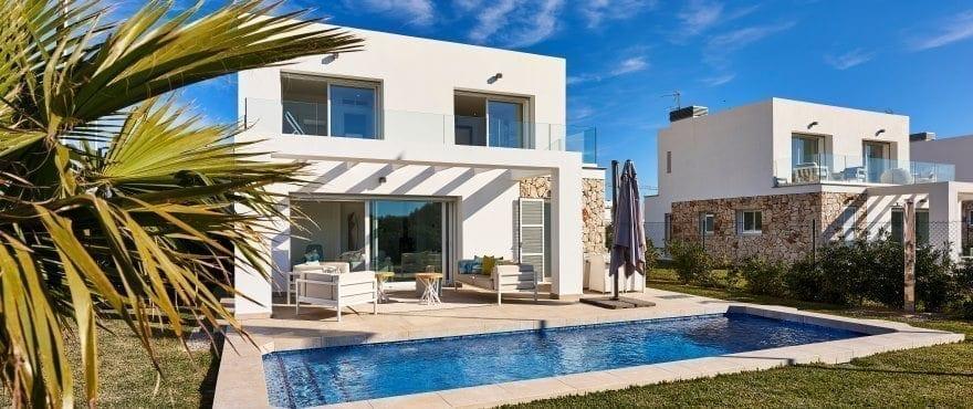 Las Villas de Dalt de Sa Rápita, Enebolig med hage til salgs, Mallorca