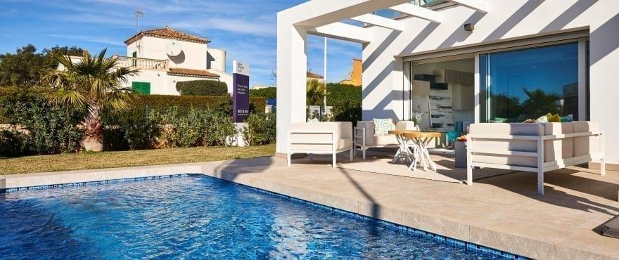 Las Villas de Dalt de Sa Rápita, Villa med egen trädgård till salu, Mallorca
